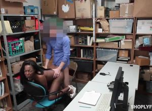 Shoplyfter ebony  penetrated