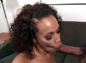 Black cougar Cassidy Clay pummels..