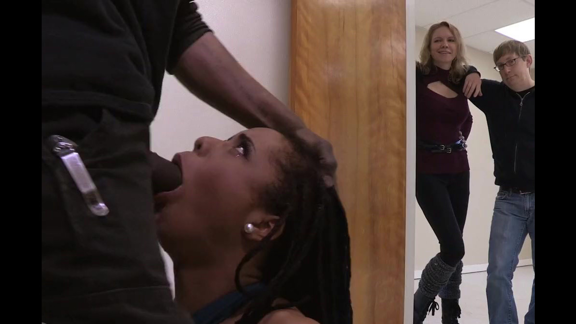 Harmless Kira Noir gets harsh face..